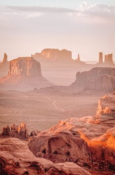 Place to Visit In Arizona. 8 Place to Visit In Arizona. the Ultimate Guide to Monument Valley for First Time Desert Aesthetic, Travel Aesthetic, Aesthetic Vintage, Monument Valley, Landscape Photography, Nature Photography, Night Photography, Landscape Photos, Grand Canyon Photography