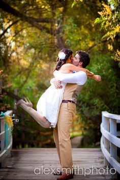 wedding, outdoors, yellow and teal, kiss