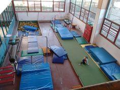 En esta imagen podemos ver el gimnasio en el cual se realiza gimnasia artística, un lugar que pase casi toda mi infancia haciendo este deporte hermoso.