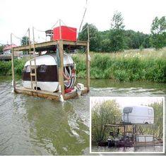 Hilarious 'hobo houseboat' design