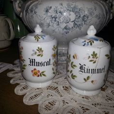 Gewürze des Lebens... #gewürze #gewürzdose #kümmel #muskat #antiquitätenladen #blog  Was wird am Wochenende gekocht?