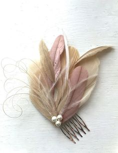 (*^_^*) Martha Stewart gifts Oh Lucy Handmade LANE Peacock Feather Fascinator with Pearl, Feather Hair Comb, Bridal Hair Piece in Champagne, Dusty Rose, and Ivory Fleurs Style Shabby Chic, Feather Crafts, Fancy Hats, Fascinator Hats, Feathered Hairstyles, Bridal Hair Accessories, Fashion Accessories, Hair Comb, Hair Jewelry