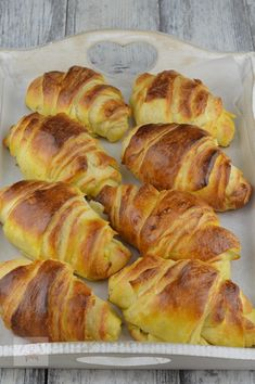Romanian Food, Pastry And Bakery, Unt, Food And Drink, Sweets, Bread, Cooking, Breakfast, Desserts