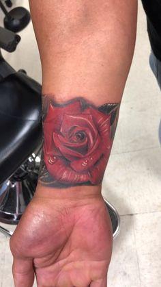 By: Jesus www. Rose Tattoos, New Tattoos, Body Piercing, Piercings, Pretty Tattoos, Awesome Tattoos, Tattoo Videos, Custom Tattoo, Color Tattoo
