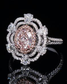 Pink Diamond Jewelry - rare and expensive, how much do they cost? Jewelry Art, Jewelry Rings, Jewelry Accessories, Fine Jewelry, Jewelry Design, Jewellery, Pink Diamond Jewelry, Beautiful Rings, Wedding Jewelry
