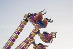 Summer fun in a spinning ride. Hanging funfair attraction by Juan Aunion.   Stockiste.com  Creative stock + Exclusivity on the GO!   Download Link: https://www.stockiste.com/display/hanging-funfair-attraction-with-people-having-fun-low-angle-view/1464  #Stockiste, #StockisteCreativeStock, #Stockphoto, #Stockimage, #Photography, #Photographer, #JuanAunion, #ContentMarketing, #Marketing, #Storytelling, #Creative, #Communication, #Funfair, #Attraction, #Summer, #Amusement, #Park  Hanging…