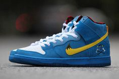 "774fdb7dff67 Familia x Nike SB Dunk High PRM ""Blue Ox"" Color  Blue Yellow"