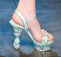 dolce e gabbana Shoes Addicted Pretty Shoes, Cute Shoes, Me Too Shoes, Funny Shoes, Awesome Shoes, Shoe Boots, Shoes Heels, Dolce Gabbana, Fall Accessories