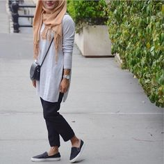 casual simple hijab with slip on shoes- Neutral hijab outfit ideas http://www.justtrendygirls.com/neutral-hijab-outfit-ideas/