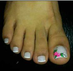 Gorgeous Nails, Pretty Nails, Beautiful Nail Art, Pedicure Designs, Toe Nail Designs, Toe Nail Art, Toe Nails, Holiday Nail Designs, Holiday Nails