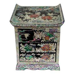 Mother of Pearl Jewelry Wooden Box with Inlaid Peony Design