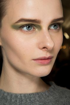 Backstage - Christian Dior Fall/Winter 2014-2015 - www.so-sophisticated.com
