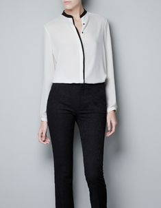 Contrasting edging blouse by ZARA Blouse Outfit, Collar Blouse, Next Clothes, Clothes For Women, Look Office, Fall Capsule Wardrobe, Casual Outfits, Fashion Outfits, Shirt Blouses
