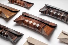 Wooden Clutch FEELDESAIN #bag #fashion http://www.feeldesain.com/wooden-clutch-by-tesler-medelovitch.html