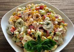 Sałatka z tortellini i pysznym sosem - Blog z apetytem Best Appetizer Recipes, Good Healthy Recipes, Grilling Recipes, Salad Recipes, Cooking Recipes, Tortellini, New Year's Food, Pasta Salad, Food And Drink