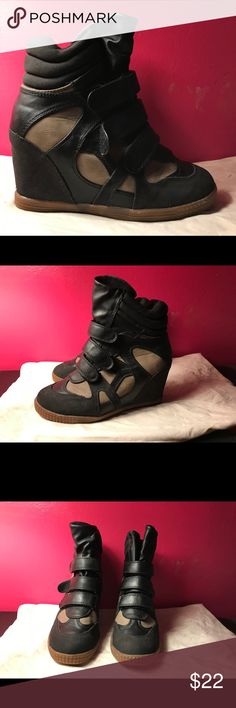 Sneaker wedges from shoedazzle in beige black Hey all. I'm selling these trendy sneaker wedges that are super comfortable. Only worn once and in great condition. ShoeDazzle Shoes Sneakers