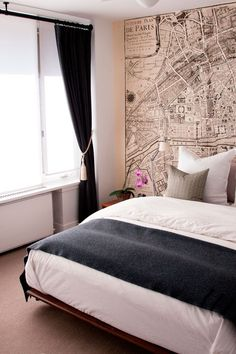 paris map wallpaper, like it in bedroom. (any map wallpaper for that matter) My Ideal Home, Interior, Home, Home Bedroom, Bedroom Design, Bedroom Inspirations, Bed, Interior Design, Bedroom