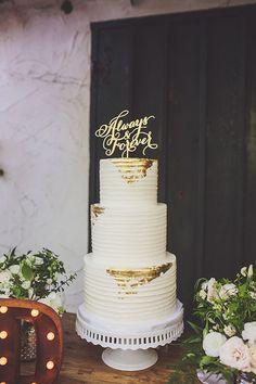 Teale Photography | Coordination: Couture Events | Floral Design: The Little Branch | Venue: The Villa San Juan Capistrano | Cake: Sweet & Saucy Shop | Linens & Rentals: Signature Party Rentals via CeremonyMagazine.com