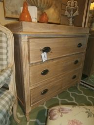 Price Item 141111 Walter Of Wabash Chest Of Drawers In A Dark Mahogany Measures