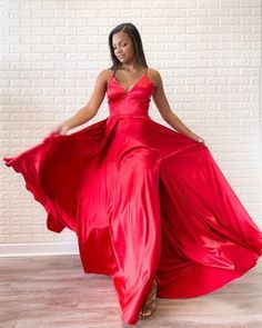 Simple Red Satin Halter V-Neck A-Line Sweep Train Long Prom Dress - Abschlussball Kleider Homecoming Dresses, Dress Prom, Dress Long, Fancy Dress, Evening Dresses, Formal Dresses, Satin Dresses, Women's Dresses, Summer Dress