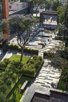 Paisagismo no Campus Corporativo Coyoacán / DLC Arquitectos + Colonnier y Asociados http://www.archdaily.com.br/br/766921/paisagismo-no-campus-corporativo-coyoacan-dlc-arquitectos-plus-colonnier-y-asociados.