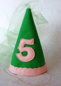 How to make a felt princess hat. Easy step by step picture tutorial. Customize and embellish as you like