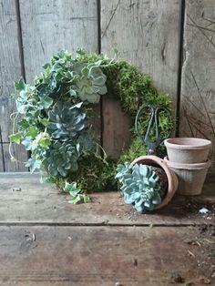 #livingwreath #country #flowers #wedding #bath #flowerschool