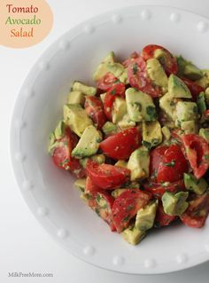 Tomato Avocado Salad - the perfect side to anything hot off the grill. Put into Kochbuch Cookbook Dairy Free Recipes, Vegan Recipes, Cooking Recipes, Gluten Free, Vegan Food, I Love Food, Good Food, Yummy Food, Yummy Treats