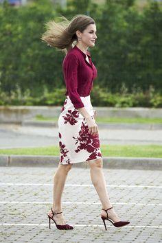 Skirt and blouse:Felipe Varela Sandals:Lodi Clutch:Magrit