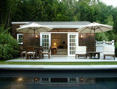 Schappacher White – pool house at Shelter Island Fisherman's cottage Outdoor Pool, Outdoor Spaces, Outdoor Living, Indoor Outdoor, Outdoor Decor, Outdoor Furniture, Cottage Design, House Design, Garage Design