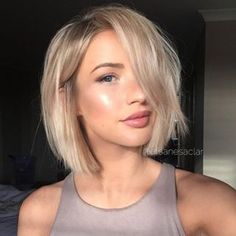 Vogue Straight Blonde Bob Style Capless Human Hair Wigs With Big Side Bangs