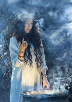 A pretty pic - Witch Witchcraft Pagan Priestess Goddess Worship Wicca Magick Foto Fantasy, Fantasy Kunst, Fantasy Art, Fantasy Witch, Poses, Witch Craft, White Witch, Fantasy Photography, Witch Aesthetic