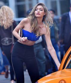 Gigi Hadid makes NY her runway Gigi Hadid Gif, Gigi Hadid Looks, Gigi Hadid 2014, Bella Gigi Hadid, Gigi Hadid Style, Blue Bikini, Bikini Tops, Beautiful Models, Beautiful Celebrities