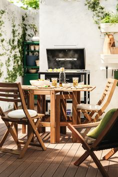 Sun's out? Get the barbecue on. From BBQ party ideas to BBQ tables, we've all you need to fire up the grill and chill all day long. Free Summer, Summer Bbq, Outdoor Furniture Design, Garden Furniture, Grill N Chill, Bbq Party, Outdoor Dining, Outdoor Ideas, Your Space