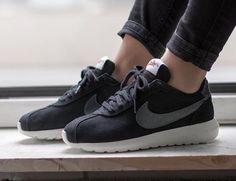 separation shoes f55d2 ab9d4 Nike Roshe LD-1000