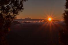 Puesta de sol – Mirador Degollada Becerra – Tejeda – Gran Canaria Tocar la foto o desplazar para ver toda la galería La gran Caldera de Tejeda, ante mi se extiende el resultado de…