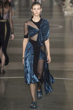Christopher Kane Spring 2017 Ready-to-Wear Collection Photos - Vogue