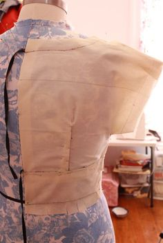 Draping a Dress, Part Two: Getting Drapey with It