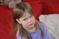 Wütendes Kleinkind - interessanter Artikel. ABER: Spiegeltaktik und Fast Food Regel funktionieren hier nicht wirklich.