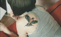 Discover gorgeous girls with amazing tattoos on their bodies. Get new body art ideas from DesignPress's worldwide collections of tattoo designs now! Bird Tattoos For Women, Small Bird Tattoos, Bird Tattoo Back, Unique Tattoos, Beautiful Tattoos, Amazing Tattoos, Pretty Tattoos, Tattoo Girls, Tattoo You