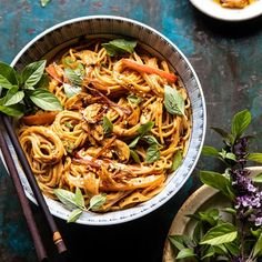 Spicy Peanut Noodles with Chili Garlic Oil. For nights when you're craving extra saucy, slightly spicy peanut noodles, but don't want to wait for take out. Asian Recipes, Beef Recipes, Vegetarian Recipes, Cooking Recipes, Healthy Recipes, Ethnic Recipes, Easy Recipes, Chicken Recipes, Pepper Recipes