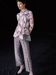Giorgio Armani Pre-Fall 2018 Collection Photos - Vogue