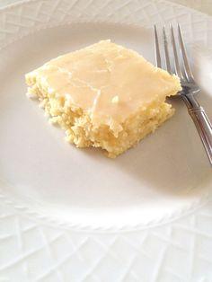 Readable Eatables: {Lemon Buttermilk Cake}
