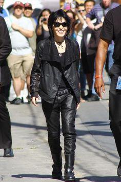 Joan Jett Photos Photos - Musician Joan Jett arrives for an appearance and outdoor concert on in Hollywood. - Joan Jett