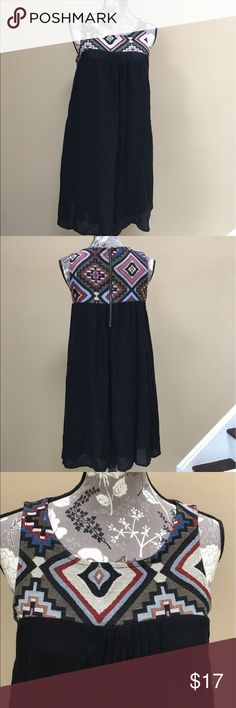"Braeve (Evereve) Sleeveless Dress Braeve (Evereve) Empire Sleeveless Dress size medium.  Excellent condition. Lined. Top  layer is semi sheer. 100% Rayon. Very cute tribal pattern top.  Zipper in back. 17 1/2"" from underarm to underarm and 37 1/2"" long. Great for summer. Evereve Dresses"