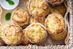 Muffins, Cheddar, Feta, Healthy Recipes, Healthy Food, Food And Drink, Low Carb, Drinks, Breakfast