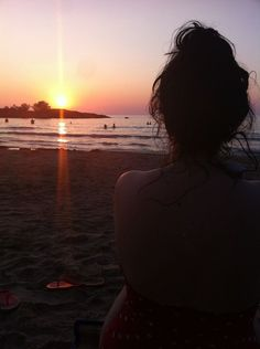 Photo Journal The post Photo Journal appeared first on Fotografie. Beach Photography Poses, Beach Poses, Summer Photography, Summer Pictures, Beach Pictures, Snapchat Picture, Artsy Photos, Insta Photo Ideas, Girl Photo Poses