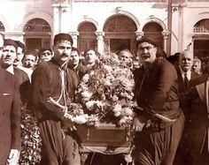 Η κηδεία του Νίκου Καζαντζάκη στο Ηράκλειο Κρήτης το 1957. Bbc World Service, Greek History, Heraklion, Crete Greece, Old Photos, Kai, Writer, The Past, Old Things
