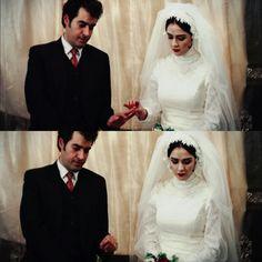 Taraneh Alidoosti, Iranian Actors, Jack Dawson, Aesthetic Vintage, Beautiful Pictures, Places To Visit, Stars, Water Bottles, Film