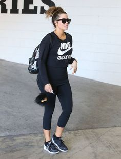 Khloe Kardashian Photos: Khloe Kardashian Hits the Gym